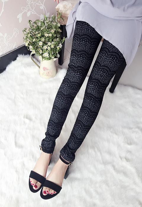 Black Patterned Tights. Are you tired of wearing plain black opaque tights? Why not add a unique twist to your outfits with subtle, black patterned tights. Choose from black tartan tights to floral, black lace pantyhose that can transform your look without going over the top.