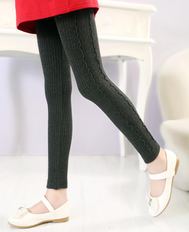 80% cotton 17% Nylon 3% Spandex Sock size 6 shoe size Sock size 8 shoe size Sock size 10 shoe size Sock size 12 shoe size View full product details.