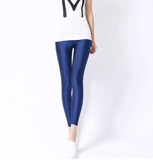 Color glossy pants