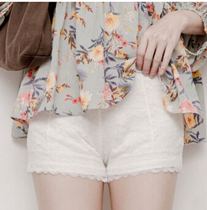 Summer three points against the exposed white apricot render pants wholesale