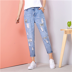China cheap cotton hole nine points elastic waist jeans