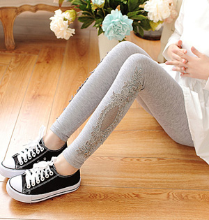 Wholesale women embroidered leggings
